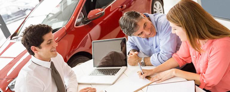 Особенности получения кредита на автомобиль в салоне
