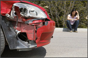 Красная машина в аварии